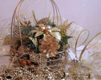 golden holiday decoration ideas,festive golden ornament ideas,golden flower ornaments,decorative bows for gifts,holiday decor ideas,