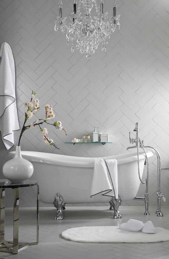 classic bathroom for home,grey and white luxury bathrooms,crystal chandelier ceiling bathroom,classic bathtub ideas,neutral tone luxury bathroom ideas,