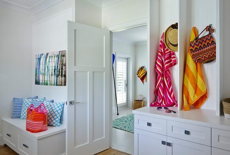 décoration style maritime,coastal style home décor,coastal home entryway,modern beach house décor,how to decorate beach house,