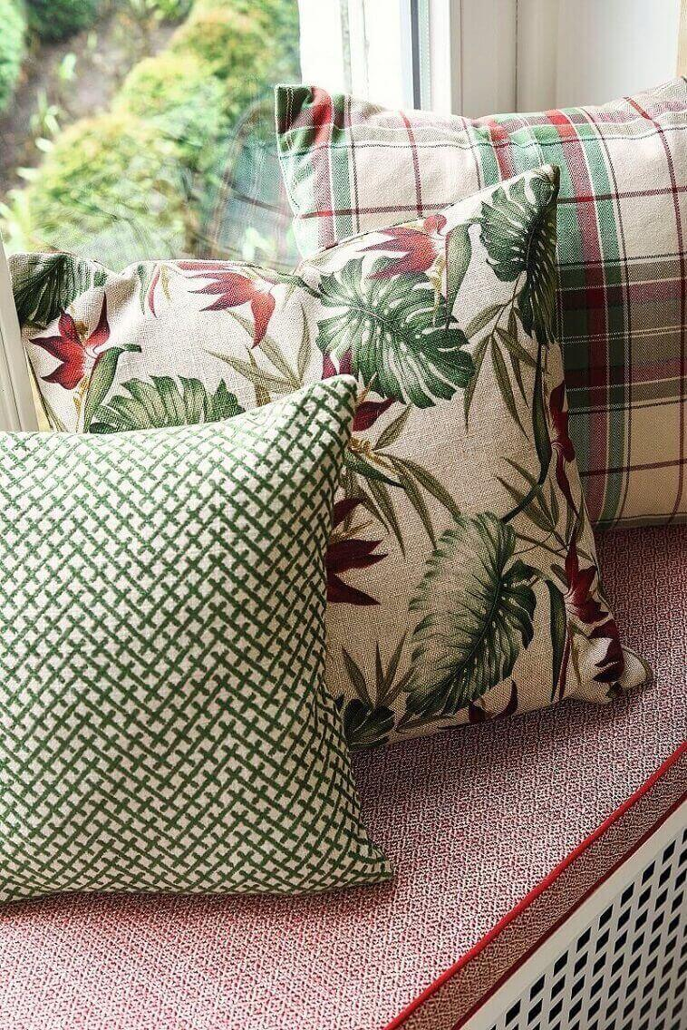 complementary colors red,complementary colors green,red and green decorative cushions,colorful home decor,Nature inspired design,