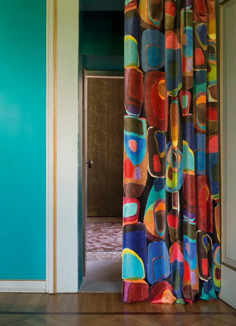 complementary colors blue and orange,colorful curtain ideas,blue wall decor ideas,complementary color palette interior,color schemes interior design,
