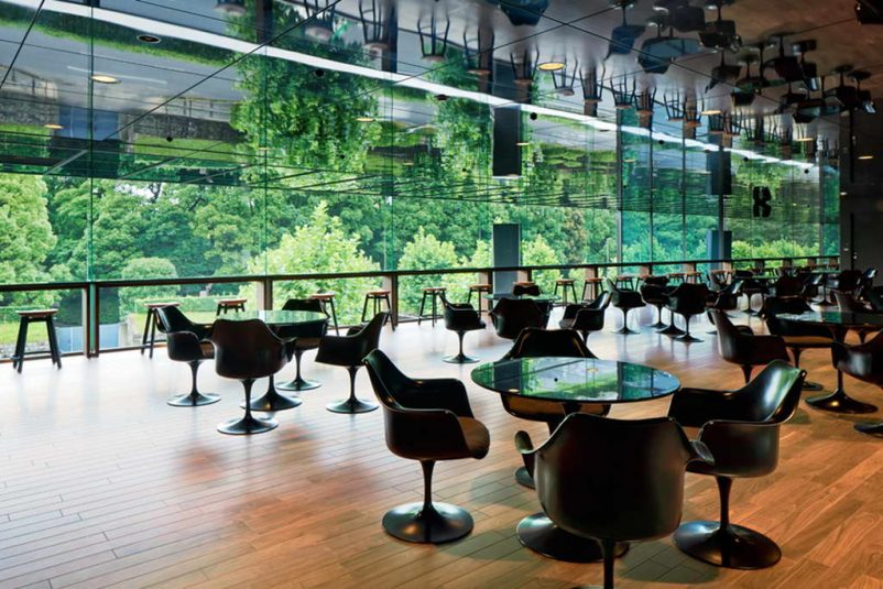 tulip chair by eero saarinen,tulip chairs with arms,black tulip table and chairs,neutral palette cafe design interior design,cafe design projects by nendo,