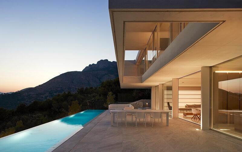 designer outdoor furniture,designer outdoor chair,designer outdoor table,designer outdoor daybeds,contemporary outdoor daybeds,