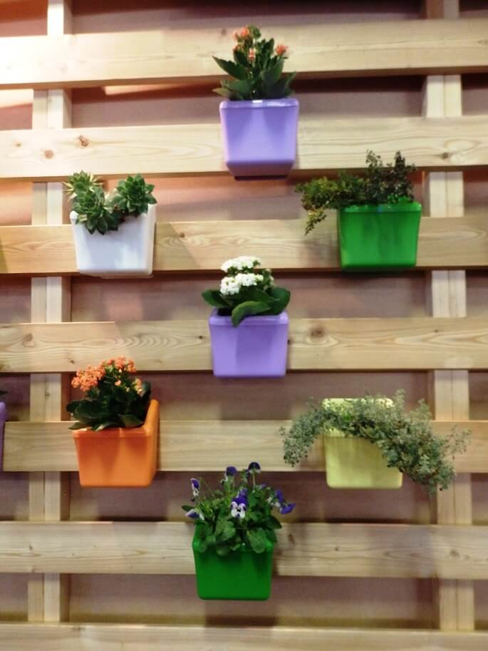 interior design with plants,designer garden pots,contemporary garden pots,raznobojne posude za cvijeće,vertical garden on balcony,