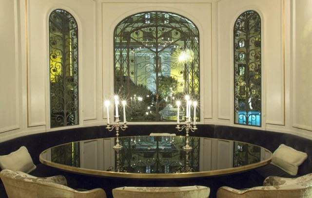 discover-Palazzo-Dama-in-Italy-dining-room-e1460456584285.jpg