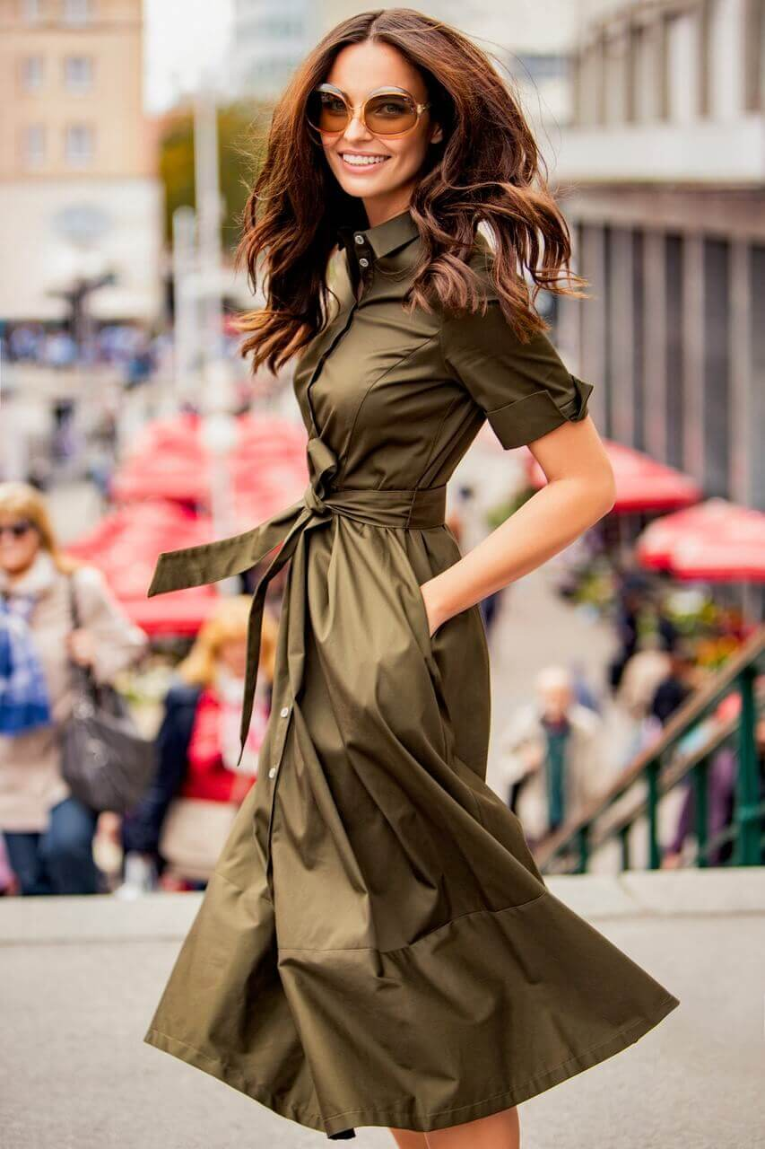 woman in fashion show,stylish outfits for ladies,croatian fashion brands,fashion marketing campaigns,zagreb center scenes,