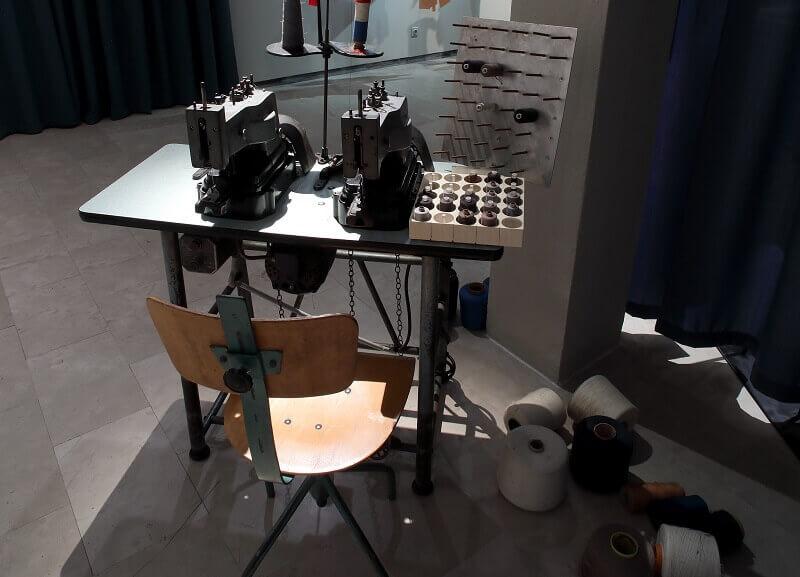 sewing machine exhibition,fashion exhibition interior design,muzej za umjetnost i obrt izložbe,history of croatian fashion design,brigada design zagreb,