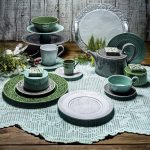 design ideas for dining room table,green table plate,breakfast table setting ideas,holiday table decorating ideas,green dining room decorating ideas,