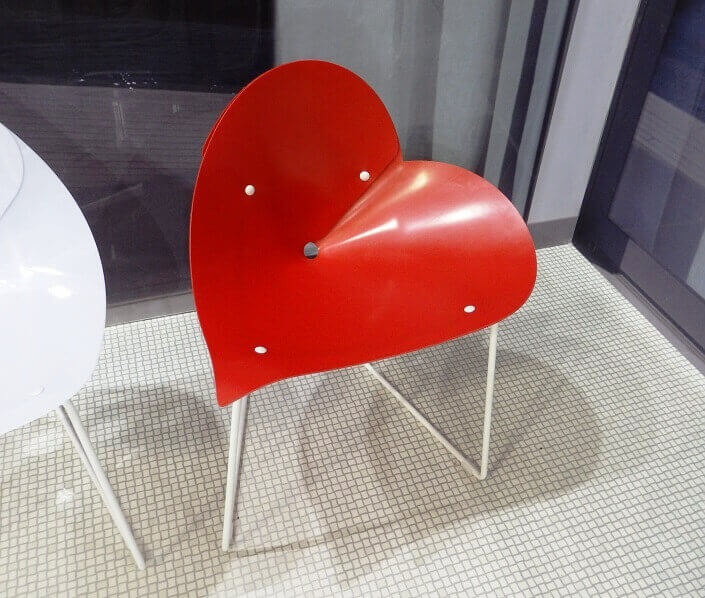 heart themed furniture design,salone del mobile milano,trade shows in europe,heart shaped chair,red designer chair,