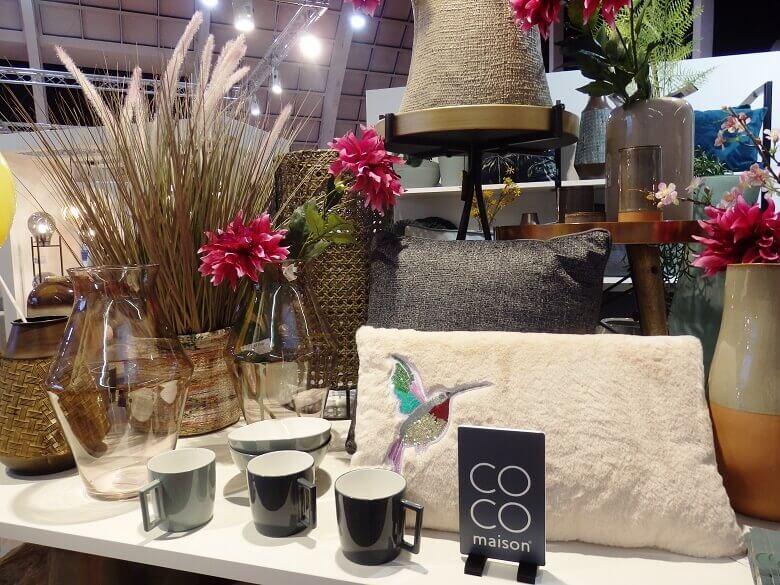 coco maison prima,dekoracije za dom zagreb,white decorative cushions,decorative coffee mugs,decorative plants and flowers,
