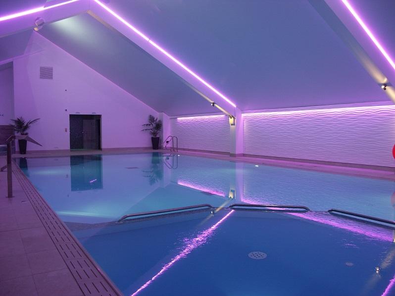 lighting,lighting design,lighting designer,lighting design ideas,light tech,ambient light,light features,contemporary lighting design,light fixtures,decorative lights,poolside,swimming pool,pastel colors,design inspiration,design ideas,