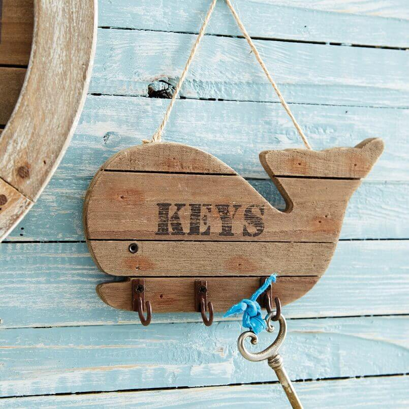 whale wall decorations,wooden wall key holder,seaside themed wall art,whale shaped key holder,sea inspired key holder,