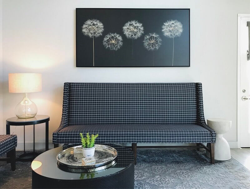 room lighting decor ideas,living room white and black,table lamp living room ideas,how to light a modern living room,home decor lighting ideas,