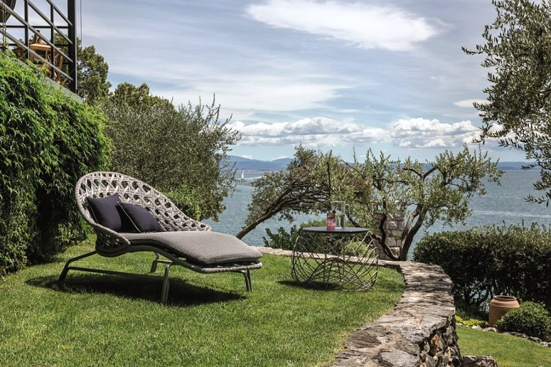 sun loungers,poolside,pool lounge,swimming pool,beach,garden chairs,deck chairs,garden accessories,garden seat,outdoor,outdoor furniture,outdoor sofa,garden design,design,garden furniture,smania,Alessandro La Spada,terrace,balcony,table and chairs,outdoor design,