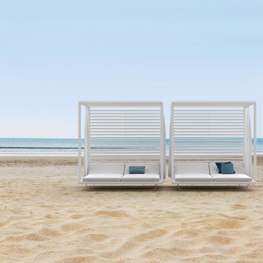 designer garden furniture for outdoor living & dining rooms