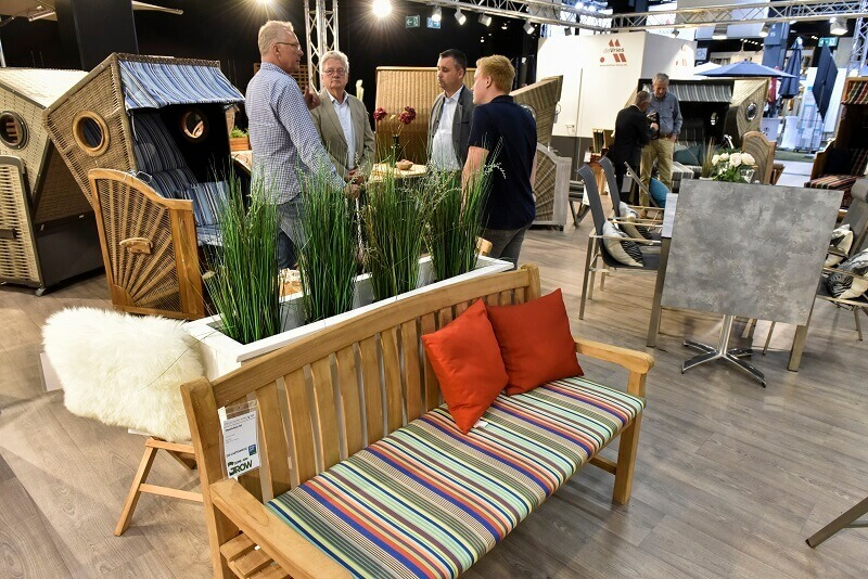 wooden outdoor bench seat,best luxury outdoor furniture brands,design trends guide 2019,colorful garden decor set,designer outdoor furniture ideas,