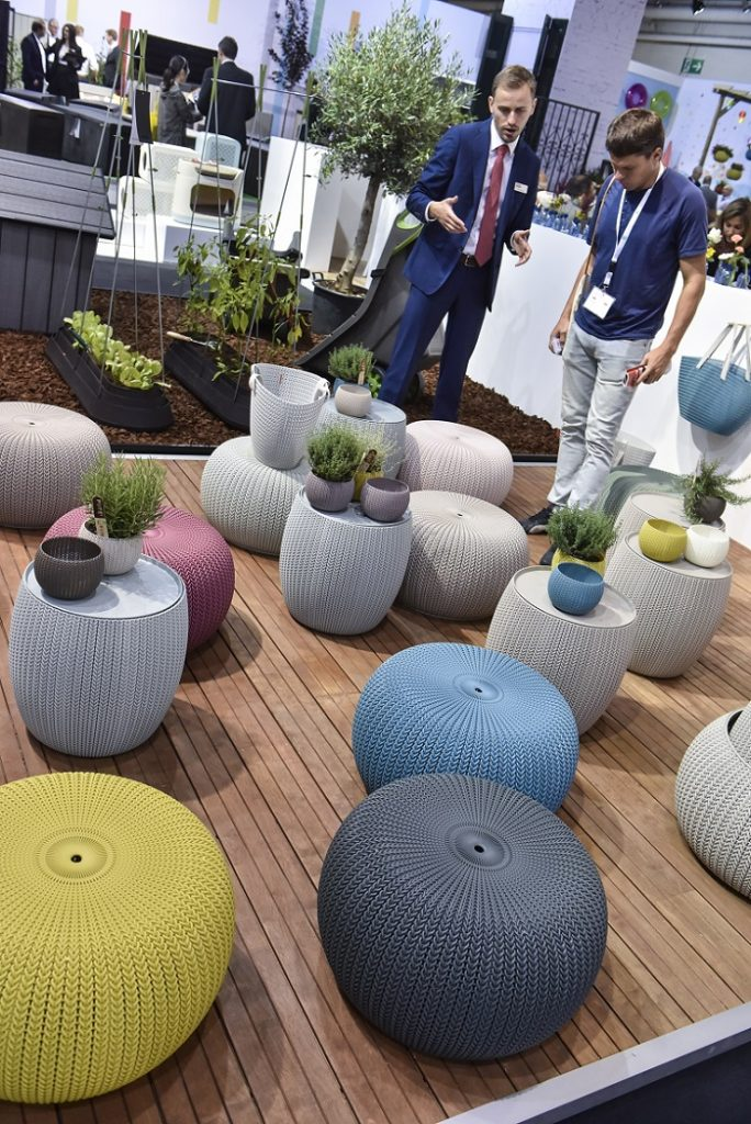 Multifunctional city comfort the outdoor trends of 2017 for Outdoor furniture trends 2018