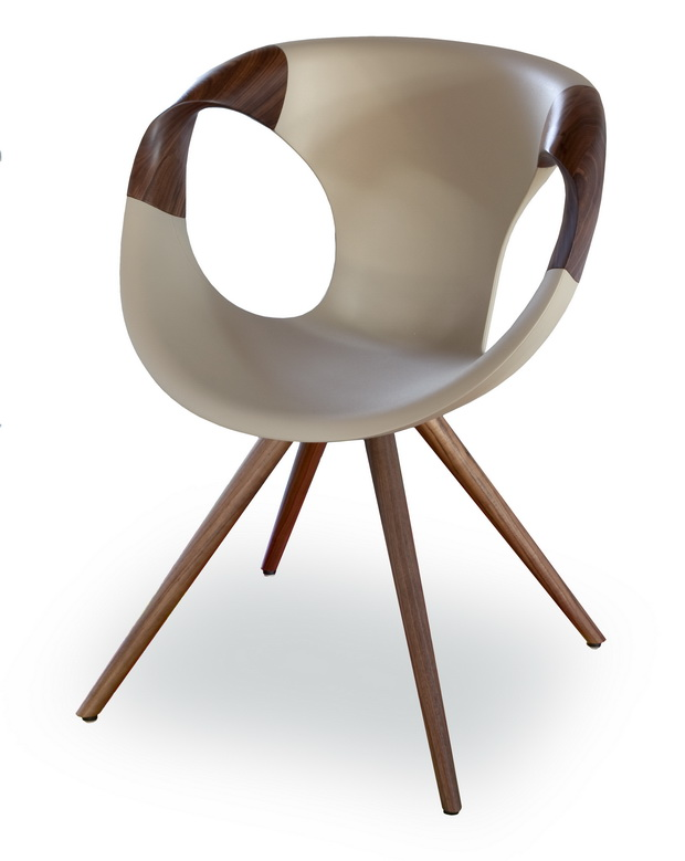 up-chair-wooden-arms-02_sing_resize.jpg