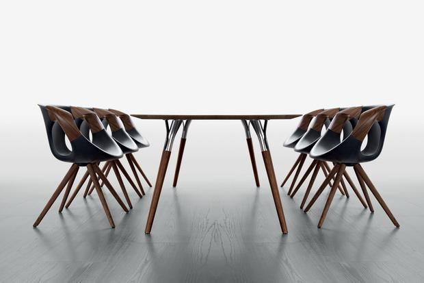 up-chair-wooden-arms-salt-pepper_resize.jpg