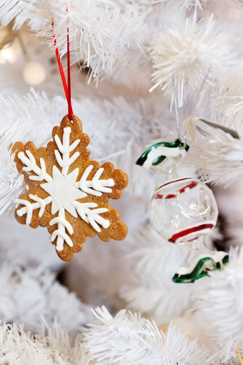 snowflake cookie Christmas tree,traditional winter holiday ornaments,decorations on white Christmas tree,glass candy Christmas tree ornaments,winter wonderland holiday decorations,