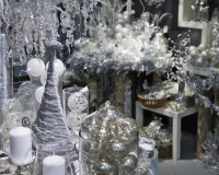 white silver Christmas tree decorations,holiday home decor ideas,silver holiday decor,white and silver holiday decor,silver holiday table decor,