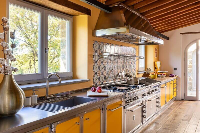 design project in tuscany italian,colorful kitchen design ideas,high end yellow kitchen cabinets,officine gullo cucine giallo,professional kitchen design yellow colour,